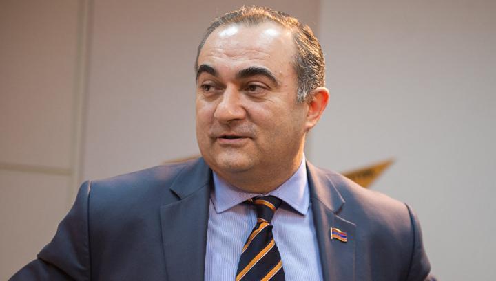 https://yerevan.today/media/k2/items/cache/21190_TEVAN_M.jpg