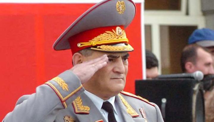 Yerevan.Today   Հրազենային վիրավորումով հայտնաբերվել է նախկին ոստիկանապետի  դին